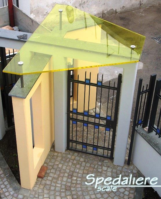 pensiline e tettoie in plexiglas su misura