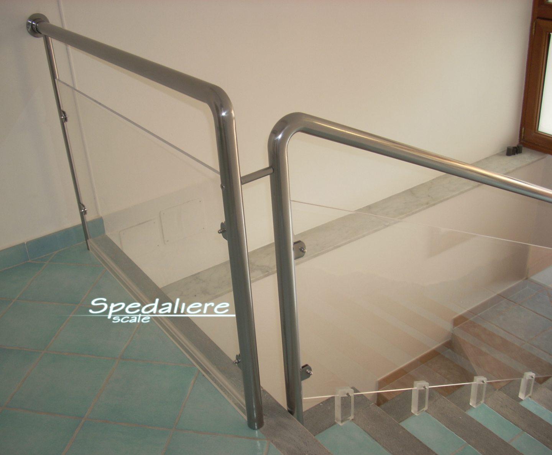 balaustra Plexiglas con corrimano sezione tonda in acciaio