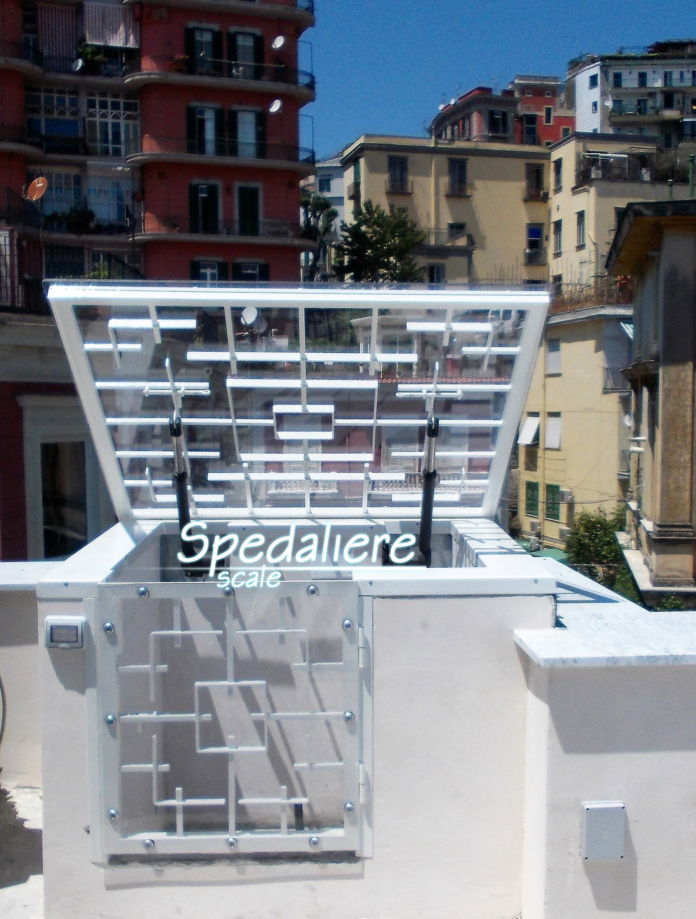 Lucernari scale in plexiglass scale illuminate e - Spedaliere scale napoli ...