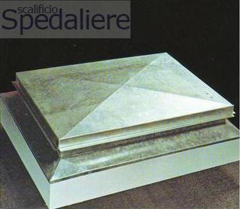 Cupolino zincato manuale su misura per scale retrattili per terrazzi
