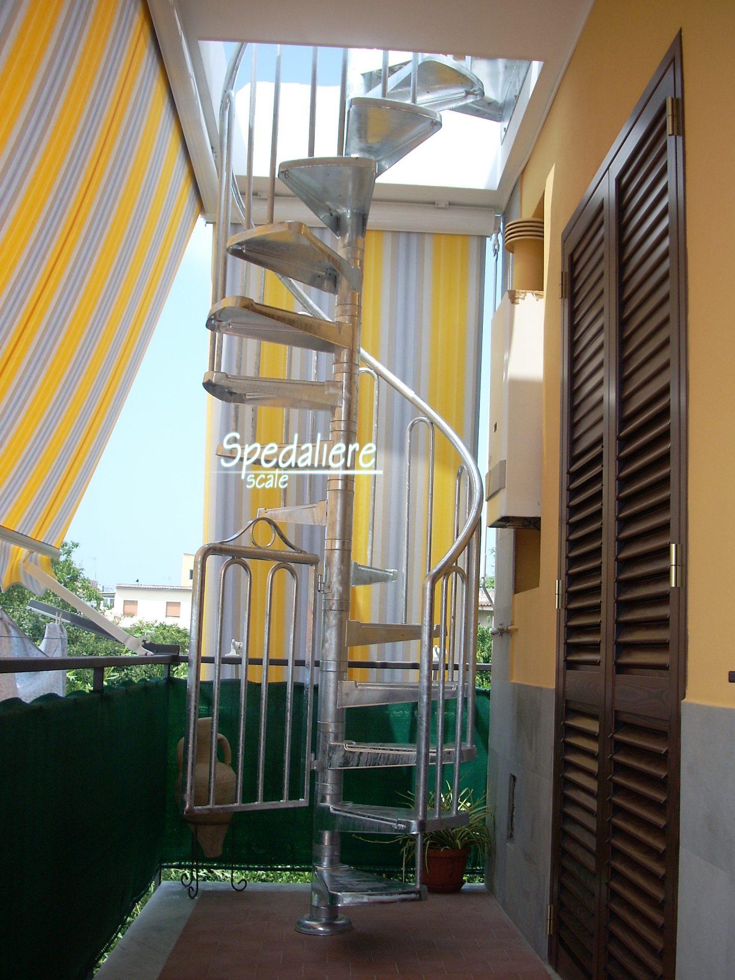 Chiocciola Napoli  da esterno zincata a caldo  ringhiera borchie